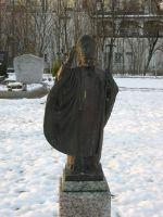 Friedhof-Papststatue