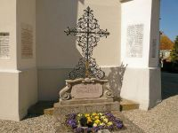 Priestergrab